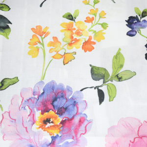 шторы из льна с красивыми цветами
